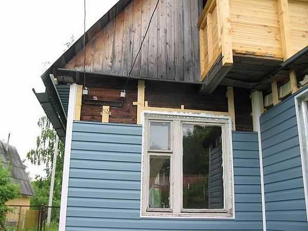 Если вы думаете, чем отделать дом из бруса снаружи, возможно ваш вариант - сайдинг