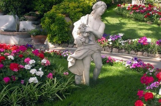 Фигурки своими руками для сада (51 фото): виды. Изготовление садовых скульптур из лозы, дерева и и цемента