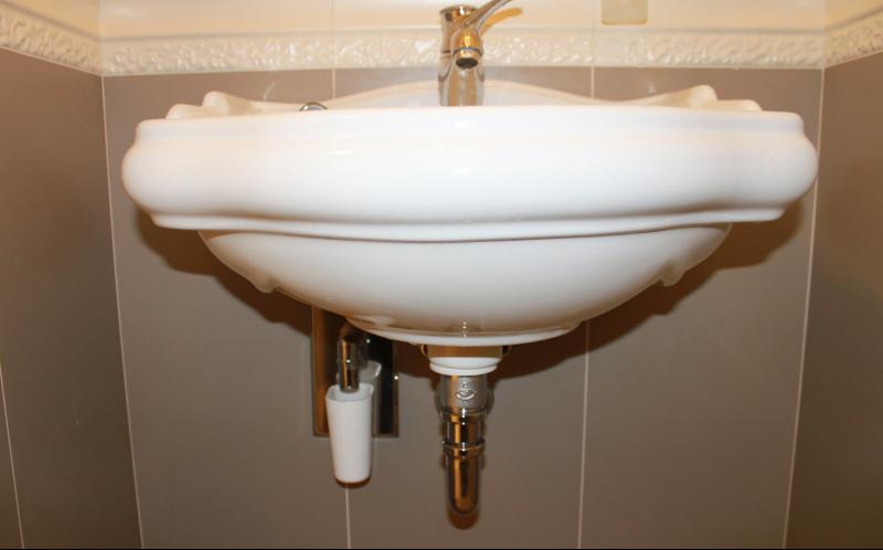 Установка раковины своими руками на кухне и в ванной — работаем, как профессионал
