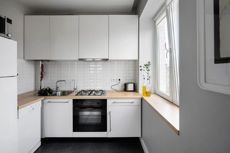 Произведя полную замену старых коммуникаций при ремонте помещения, вы получите надежную кухню на долгие годы