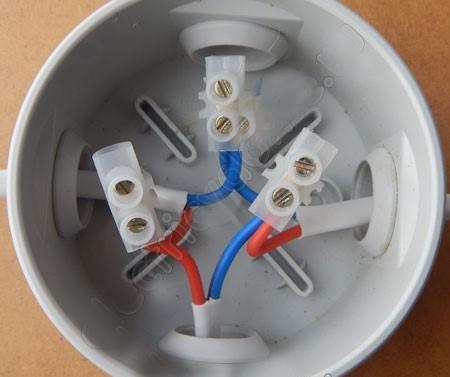 Соединение проводов с помощью клемников