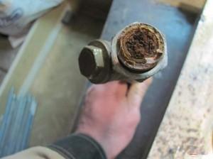 Как регулировать батарею отопления