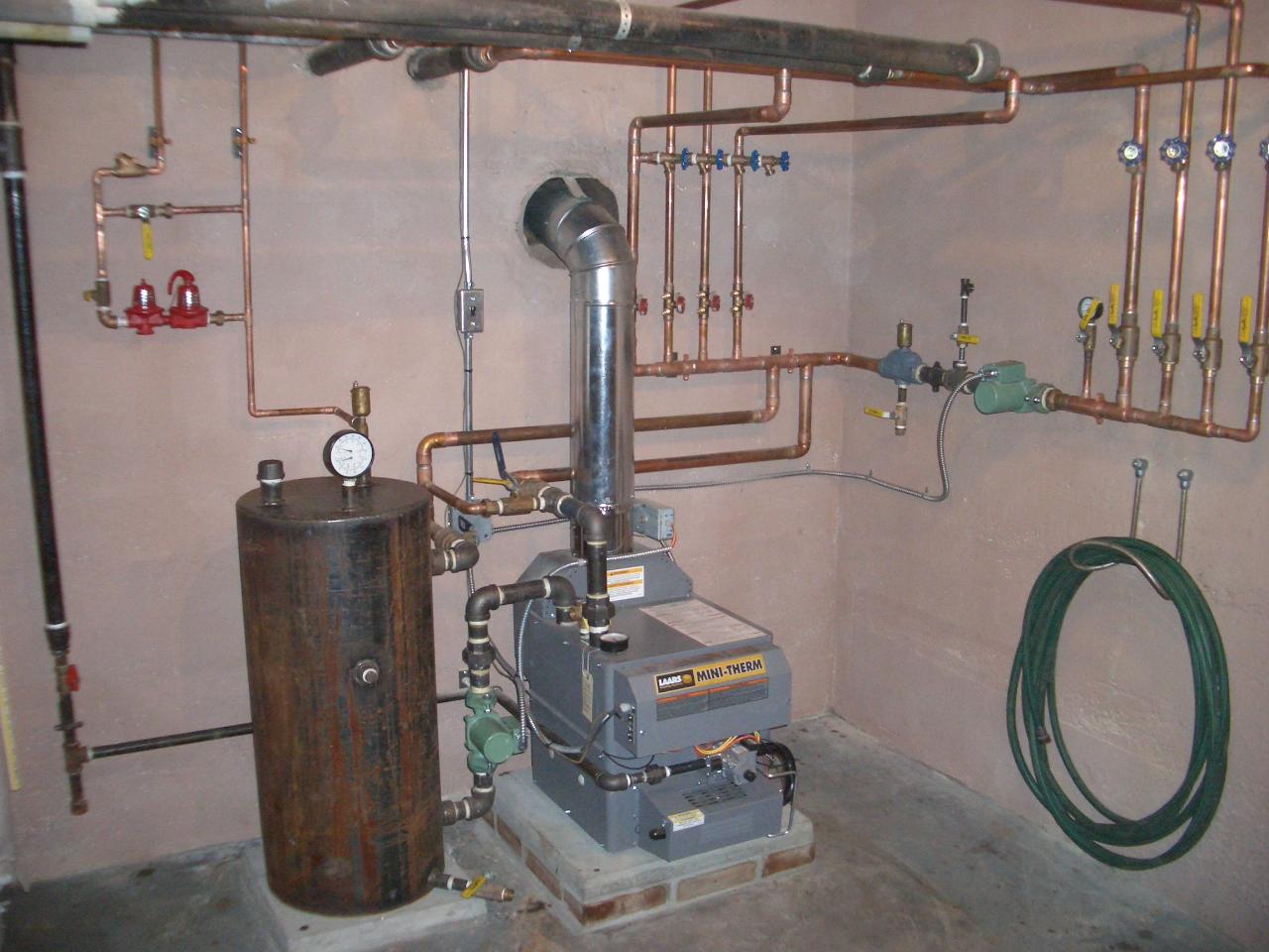 Отопление дома от бойлера для нагрева воды