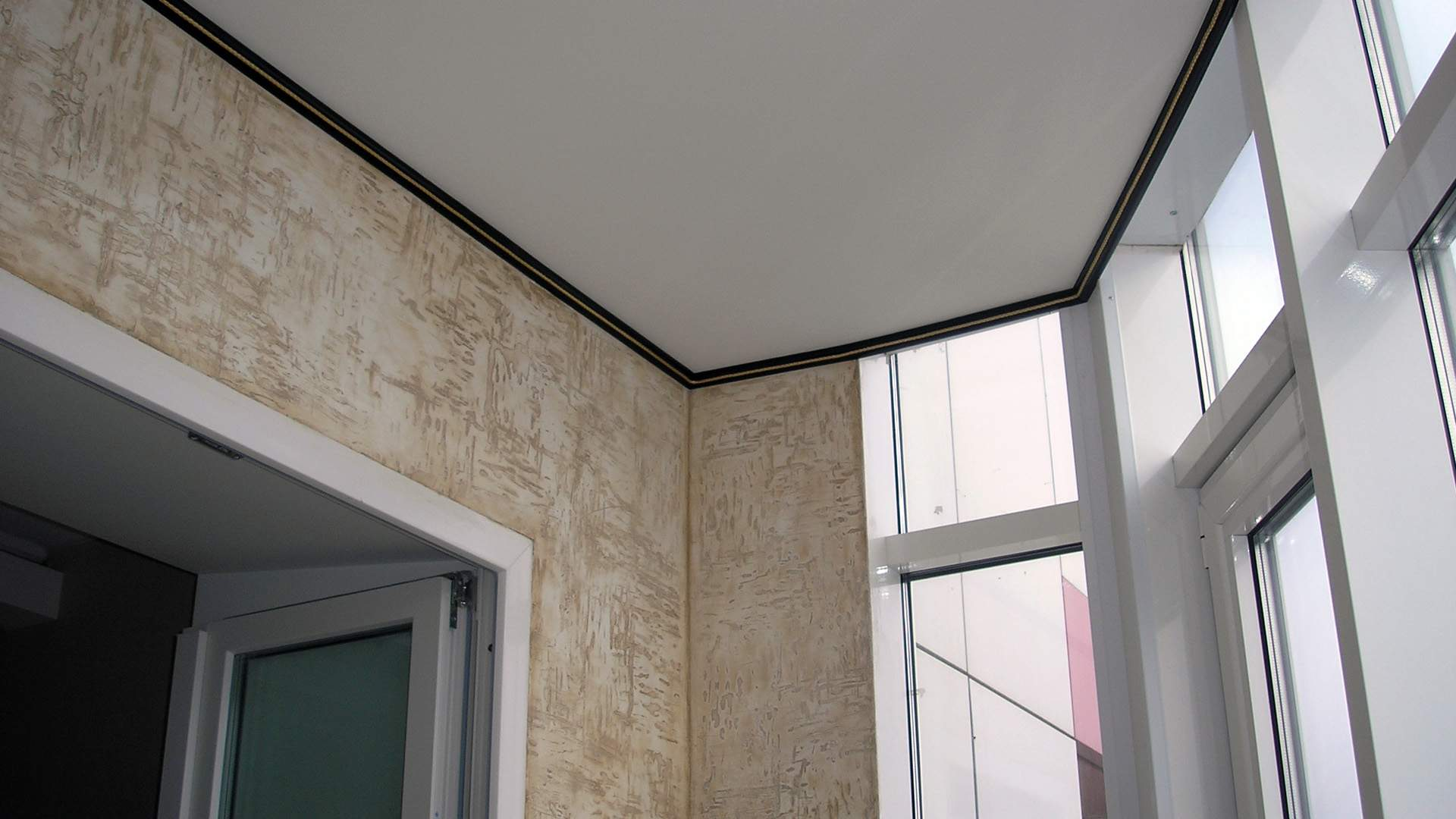 Потолок в лоджии