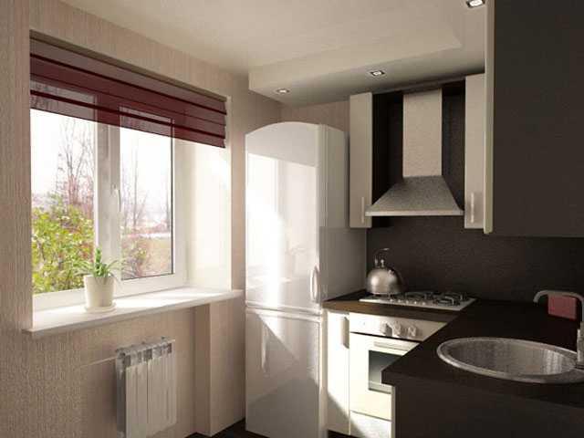 Чтобы место между стеной и холодильником не пустовало, туда можно сделать специальную выдвижную полочку