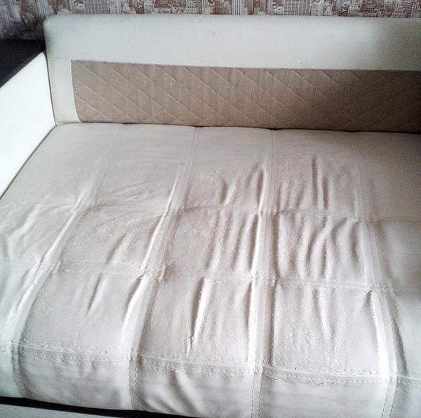 как перетянуть диван обивочной тканью своими руками