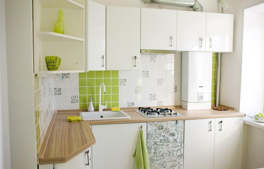 Угловая модульная конструкция поможет эргономично распределить полезное пространство в небольшой кухне