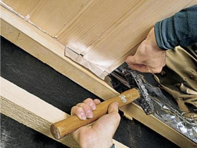 Фото: обшивка потолка своими руками