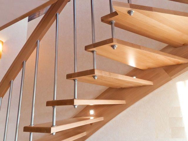 Элегантная лестница на больцах