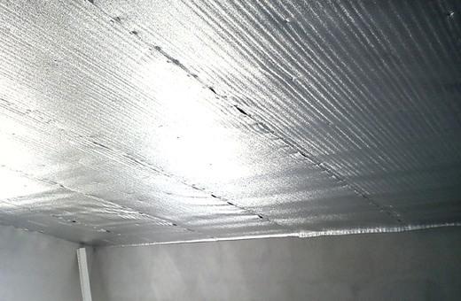 утепление изолоном потолка