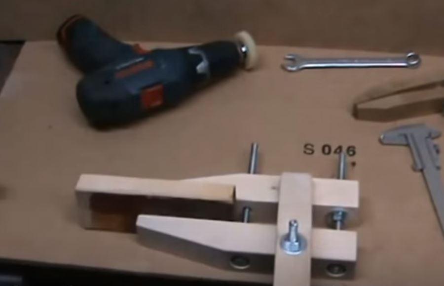 деревянные струбцины в работе