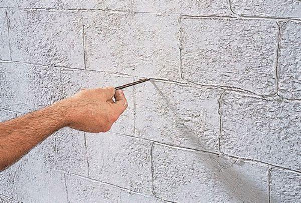 Кирпичная стена из штукатурки своими руками