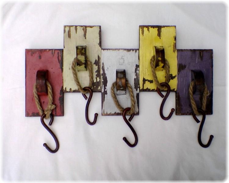 Деревянная вешалка своими руками (35 фото)