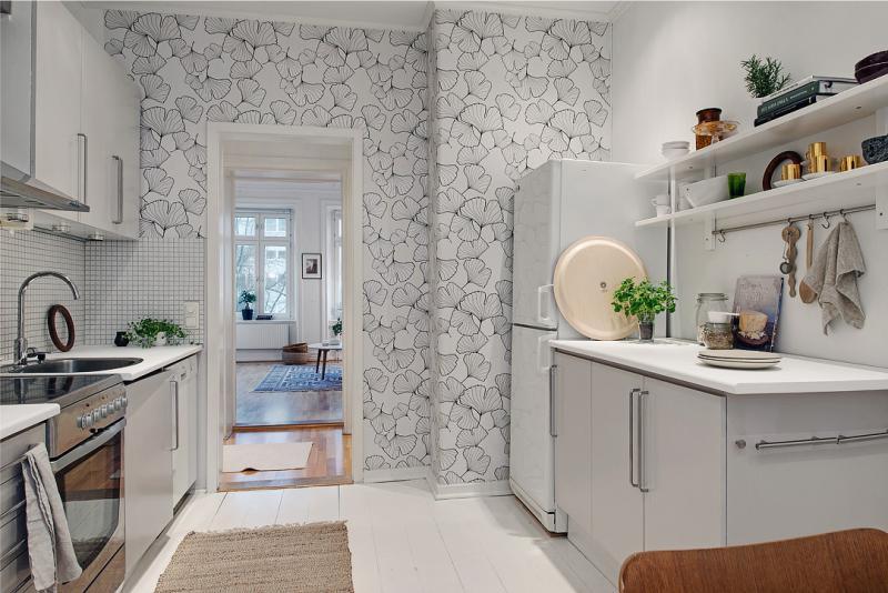 Современный интерьер кухни с обоями