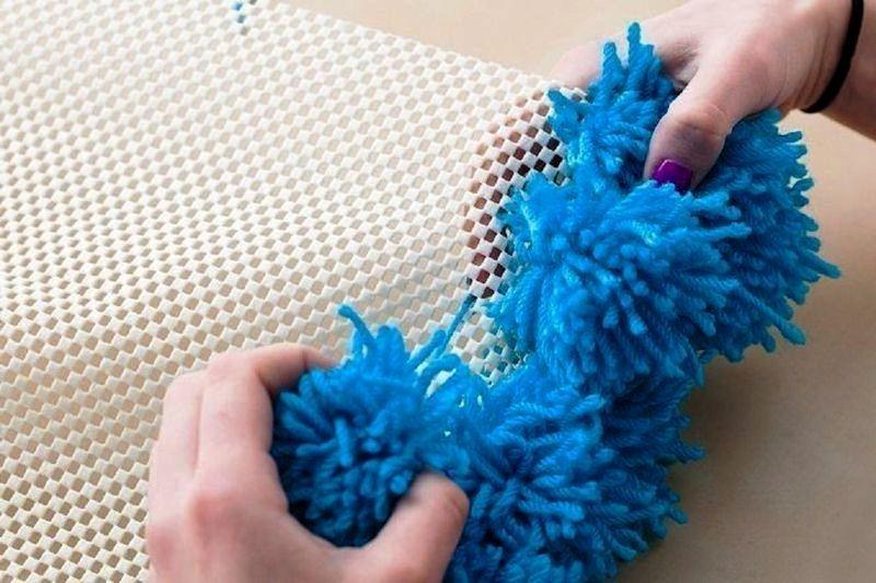 12 идей как сделать коврики из старых вещей своими руками