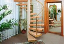 Дизайн лестницы на мансарду в частном доме (фото в интерьере)