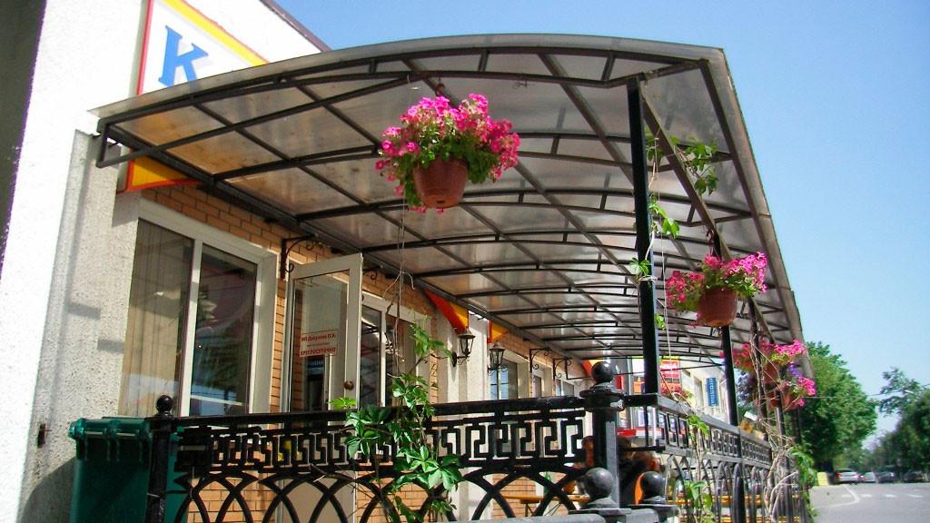 Красивое оформление балкона с помощью поликарбоната