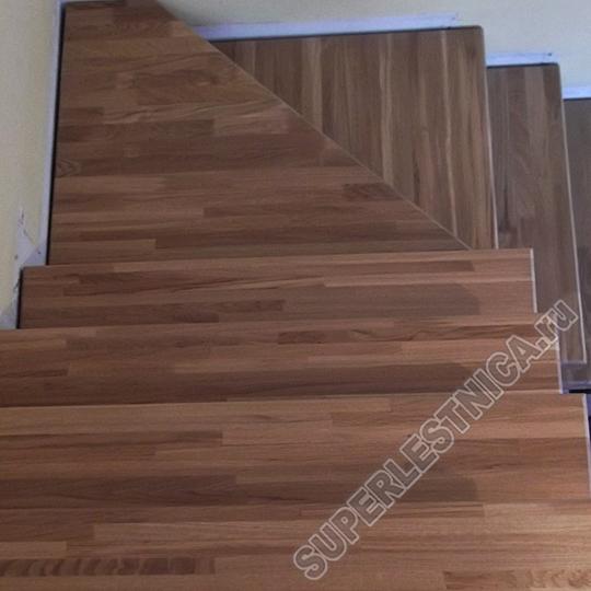 Дубовые ступени от нашей компании вне конкуренции. Благородная древесина подходит для дизайна в классическом стиле. Стоимость — 5 636 р.