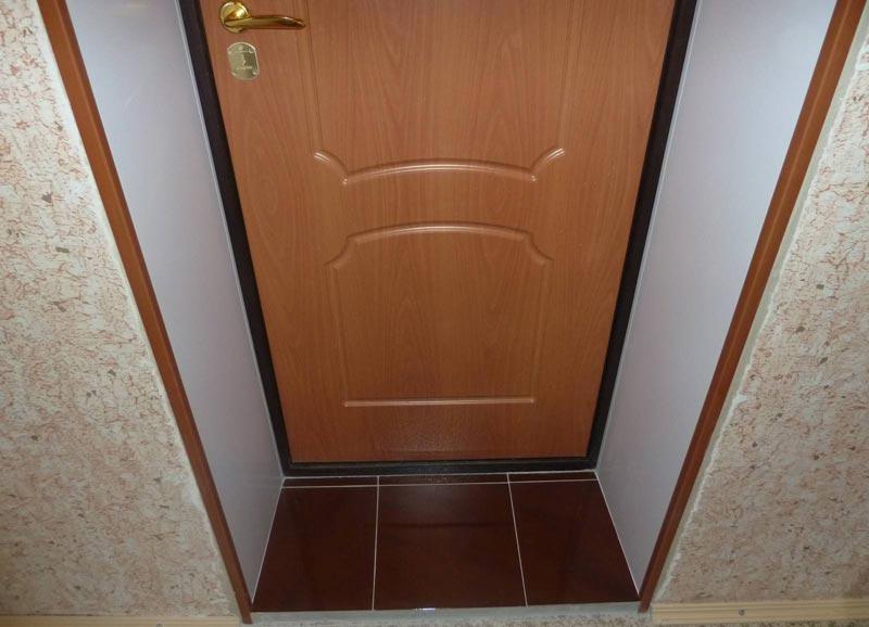 Дверные откосы из ПВХ панелей