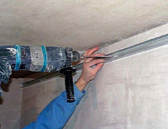Закрепление металлического профиля на стенах
