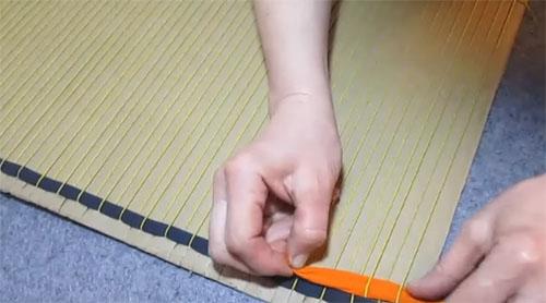 Как сделать своими руками коврик из старых вещей: 7 идей для вдохновения