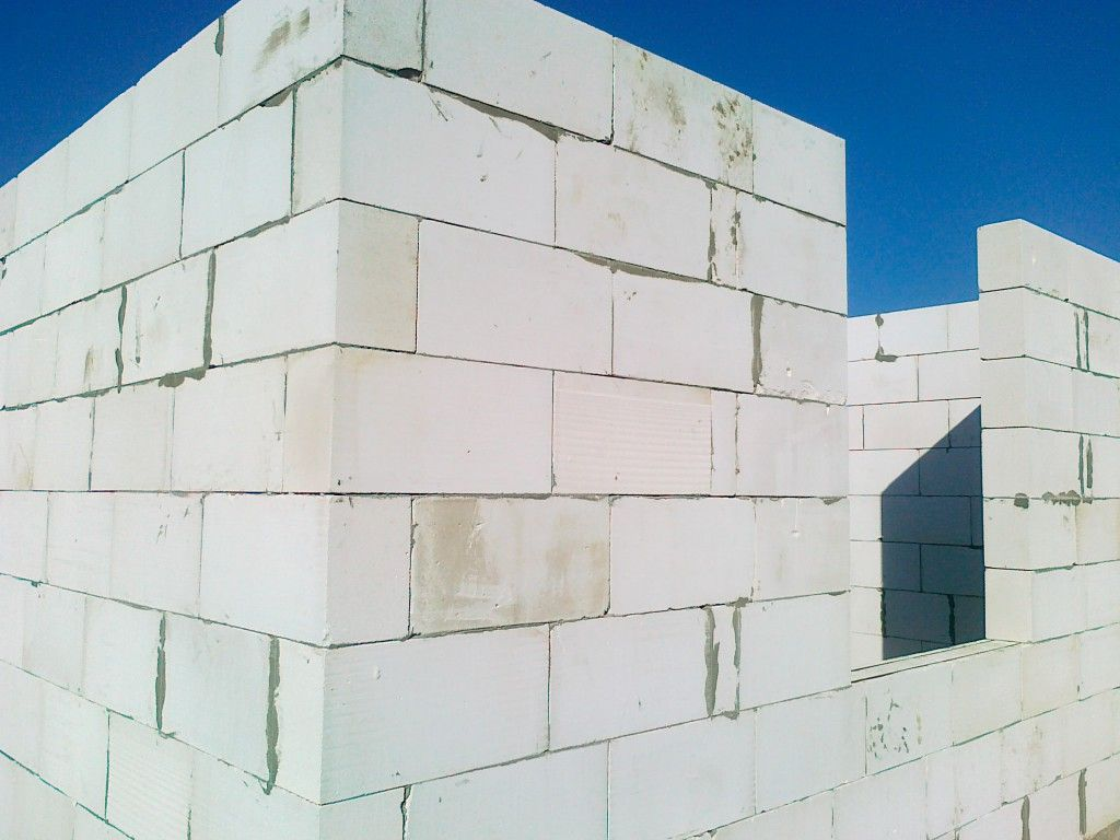 Монтаж перегородок из пазогребневых блоков