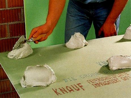 Технология монтажа гипсокартона на клей
