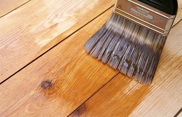Преображение стенки мебельным лаком