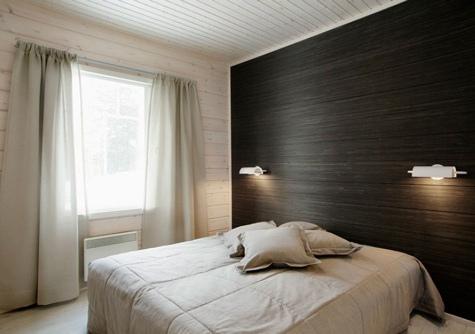Чёрные виниловые обои с текстурой в интерьере спальни