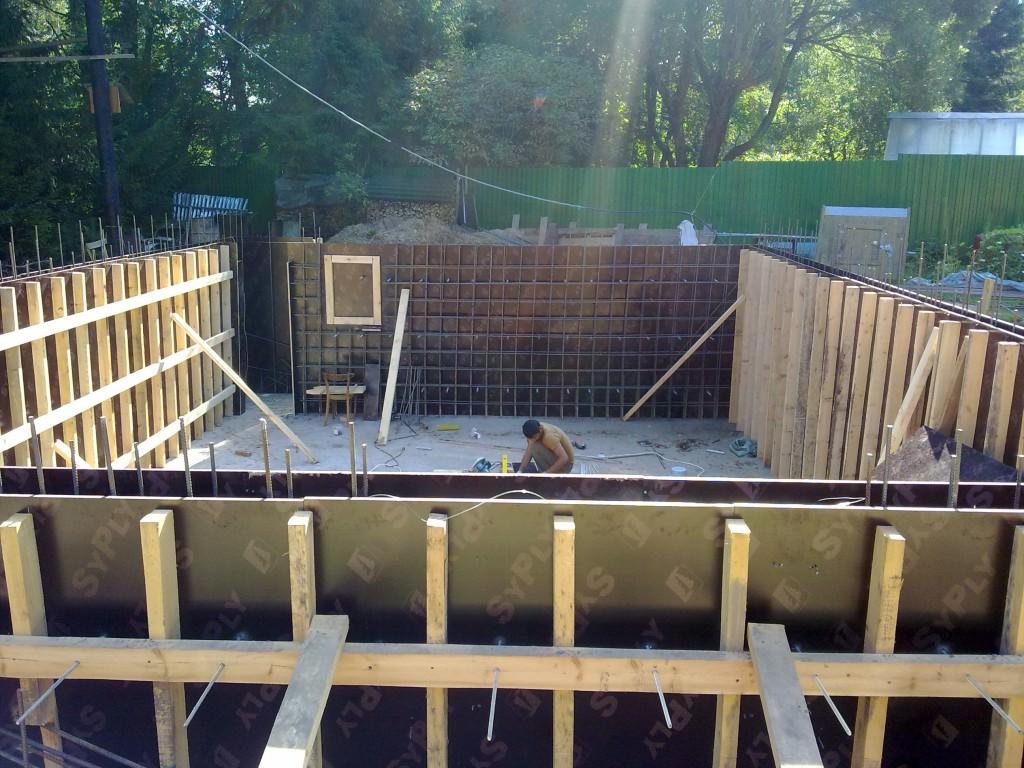 Опалубка для бетона с дверными и оконными проемами