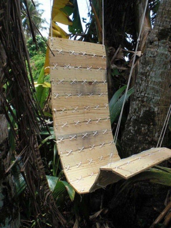 Гамак из деревянных досок