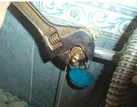 Как поменять прокладку в смесителе: пошаговая инструкция с фото