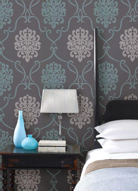Серо-бирюзовые обои в дизайне спален