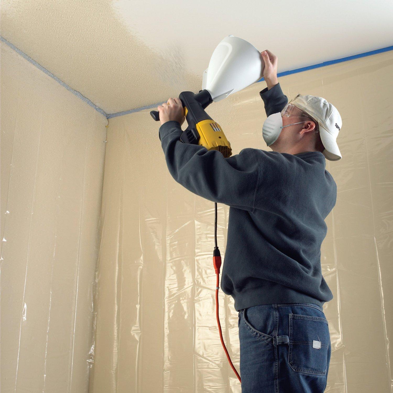 красить потолок краскопультом