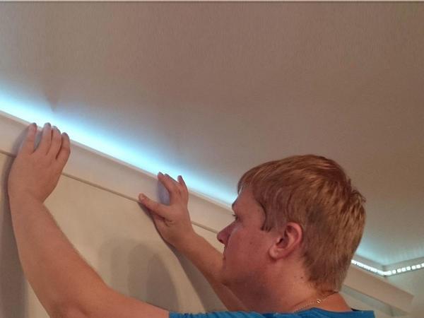 Натяжные потолки с подсветкой по периметру – варианты установки