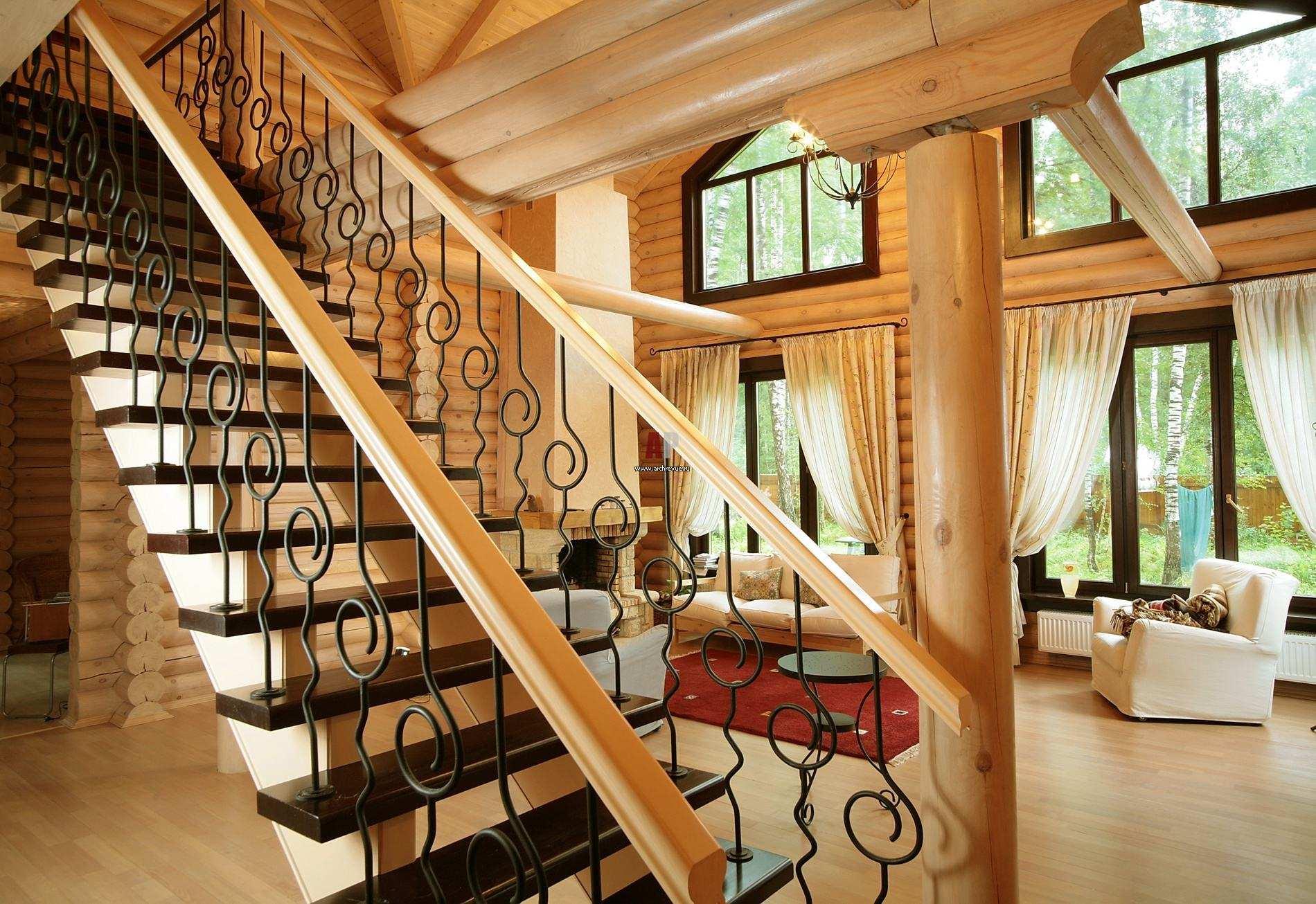 Фото 42. Лестничные конструкции, соединившие в себе сразу несколько видов материалов изготовления - это настоящее произведение искусств, способное до неузнаваемомсти преобразить Ваш дом