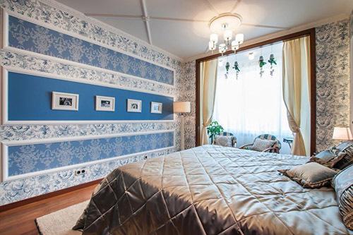 Идеи комбинирования обоев в спальне