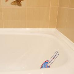 Герметизация стыка между акриловой ванной и стеной