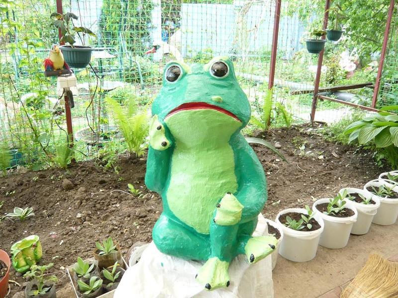 Задумчивая лягушка фото