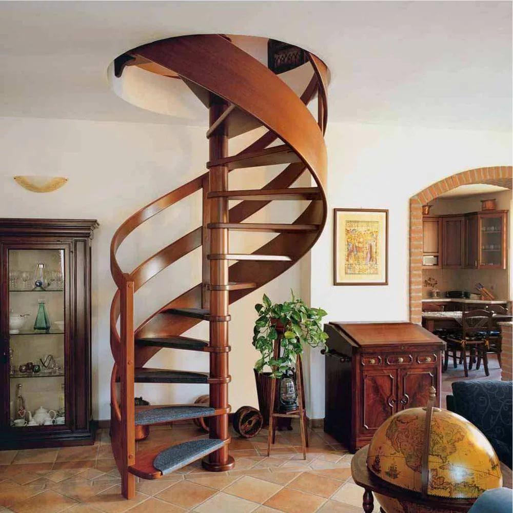 Экономичные в пространстве винтовые лестницы
