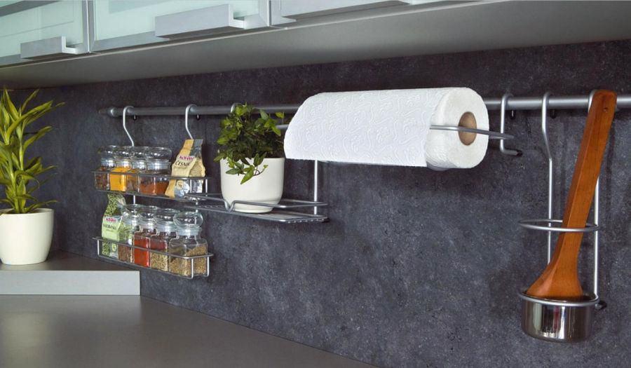 Кухня в цветах: черный, серый, светло-серый, белый. Кухня в стиле экологический стиль.