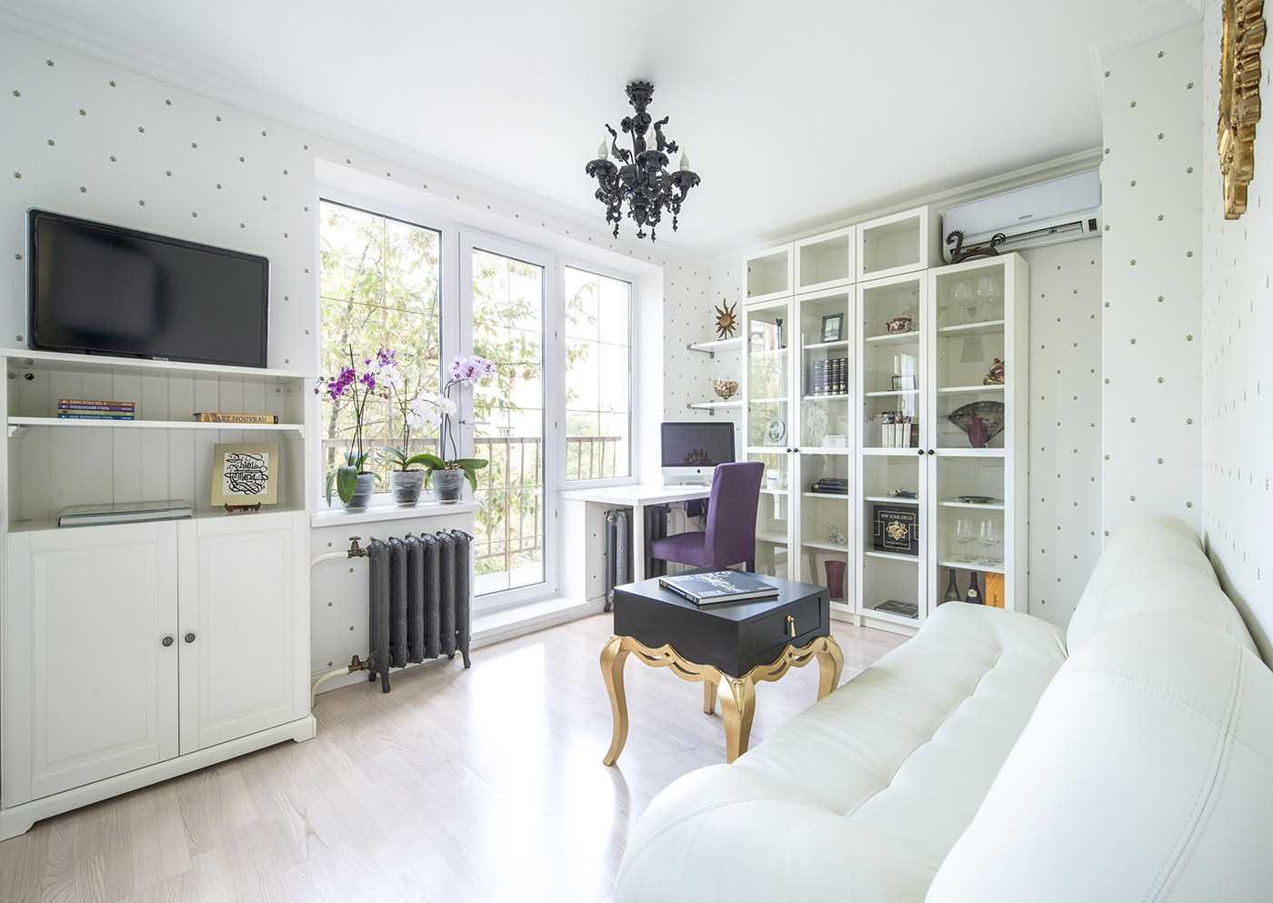 комбинирование красивых обоев в дизайне гостиной комнаты