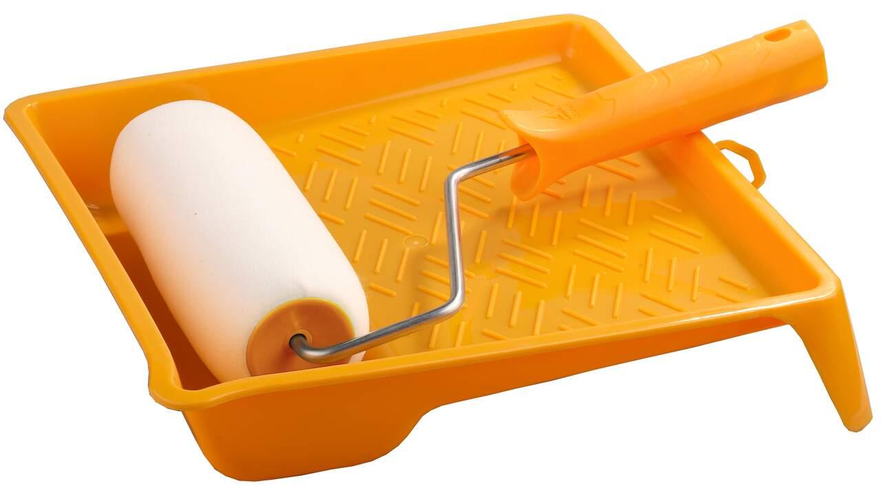 Грунтовку наносить быстро и удобно валиком