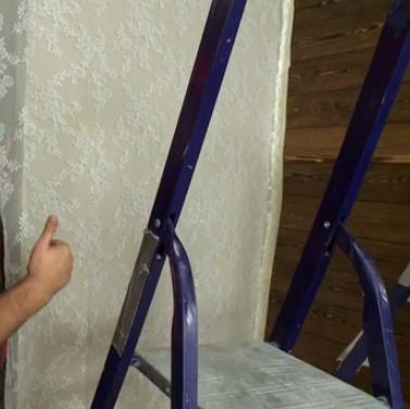 Крепим тюль на стену