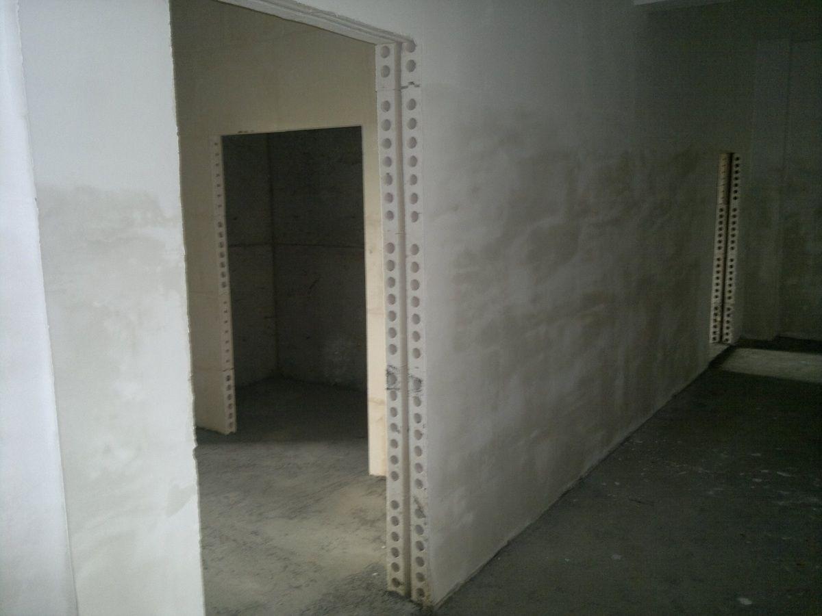 Пример устройства стен из пазогребневых блоков