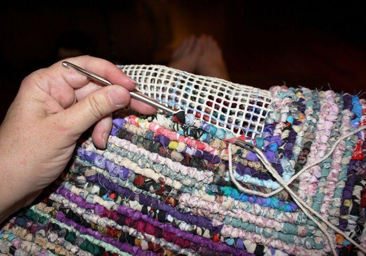 Придётся вспомнить опыт вязания крючком. Но это того стоит!