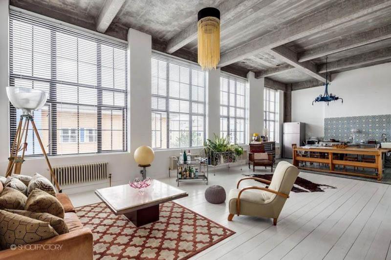 Бетонный потолок в интерьере: лучшие идеи - 49 фото