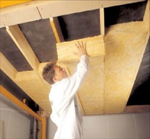 Фото: утепление потолка при монтаже